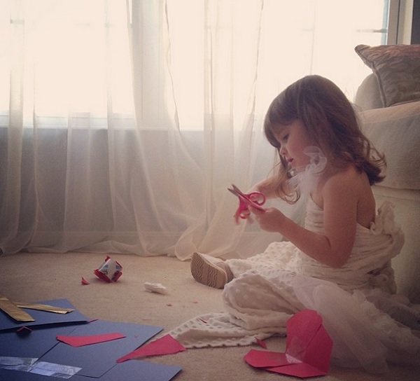4-year-old-mayhem-making-paper-dresses