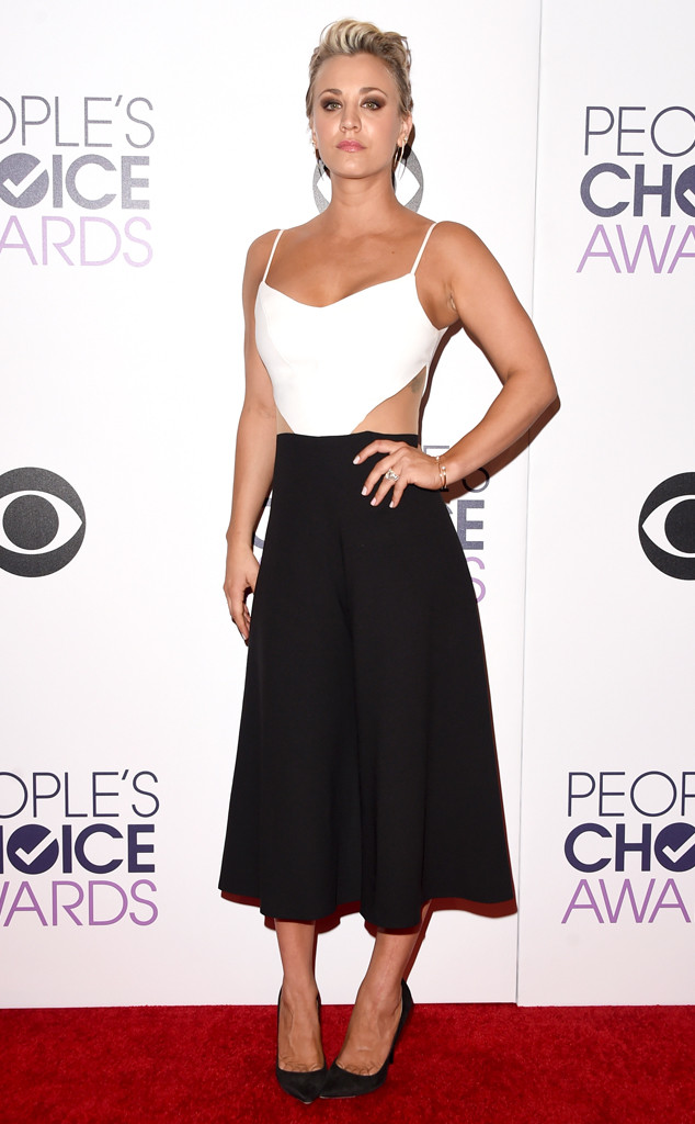 rs_634x1024-150107195949-634.Kaley-Cuoco-Sweeting-Peoples-Choice-Awards.ms.010715
