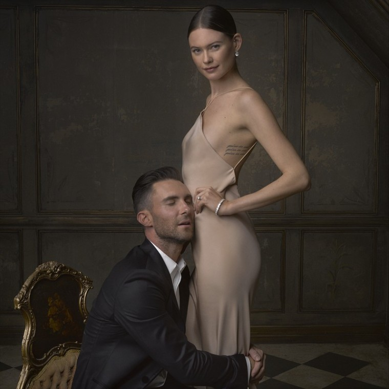 Vanity-Fair-Oscars-2015-Party-Mark-Seliger-Portraits-Adam-Levine-Behati-Prinsloo-Photo-800x800
