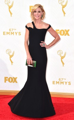 rs_634x1024-150920161707-634-julie-bowen-emmy-awards.ls.921015 georges chakra
