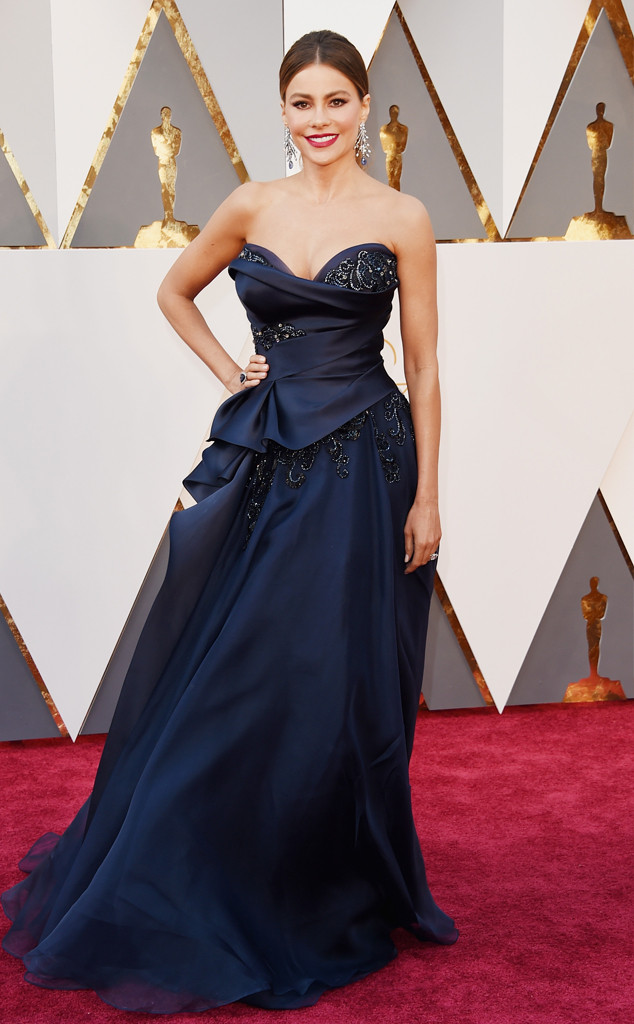 rs_634x1024-160228153704-634-sofia-vergara-2016-oscars-academy-awards-mh-022816 Marchesa